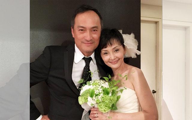 南果歩 News: がんに負けない!渡辺謙さん夫妻結婚10周年を祝う披露宴で幸せ
